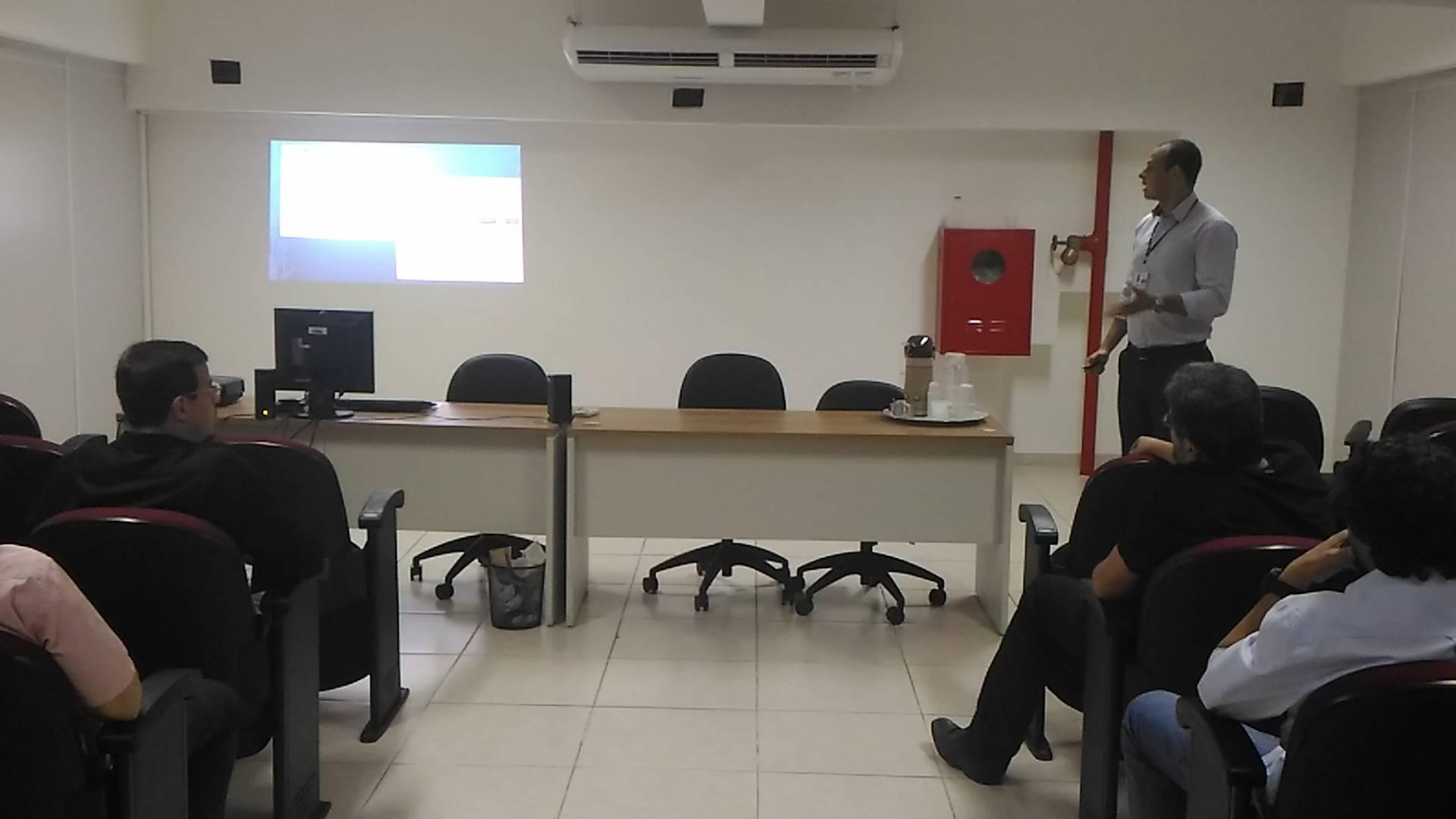 Fiscal de Tributos Nylfson Borges em palestra sobre Segurança Orgânica.