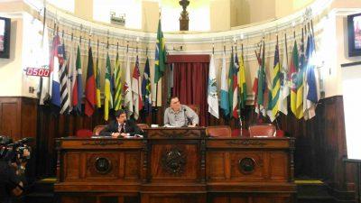 Secretário municipal da Fazenda Pablo Villarim e o vereador Carlos Macedo participam da Audiência Pública de Prestação de Contas do 1º Quadrimestre de 2017.